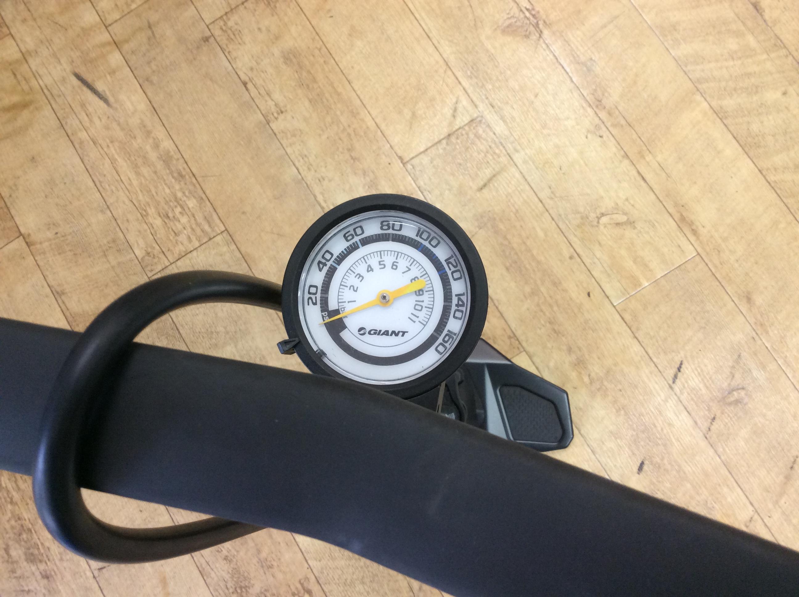 自転車の 自転車 タイヤ 空気圧 単位 : 空気、しっかり入ってますか ...