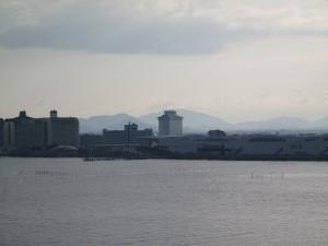びわ湖一周ロングライド 琵琶湖大橋から ラフォーレを望む