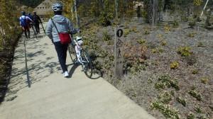 ラ・コリーナ 自転車案内板