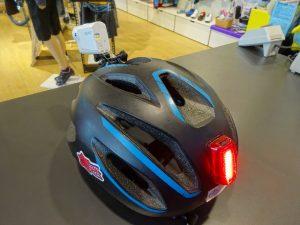 ライトが付けられるヘルメット
